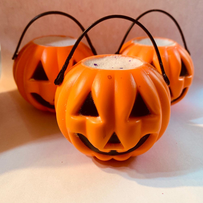 etsy pumpkin cauldron bath bomb