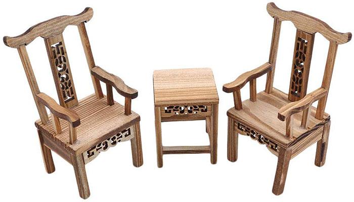 mini wooden table