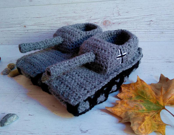 paintcrochet crochet tank slippers knitted grey black