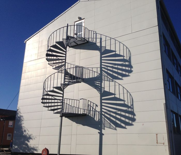 shadow optical illusions infinite staircase
