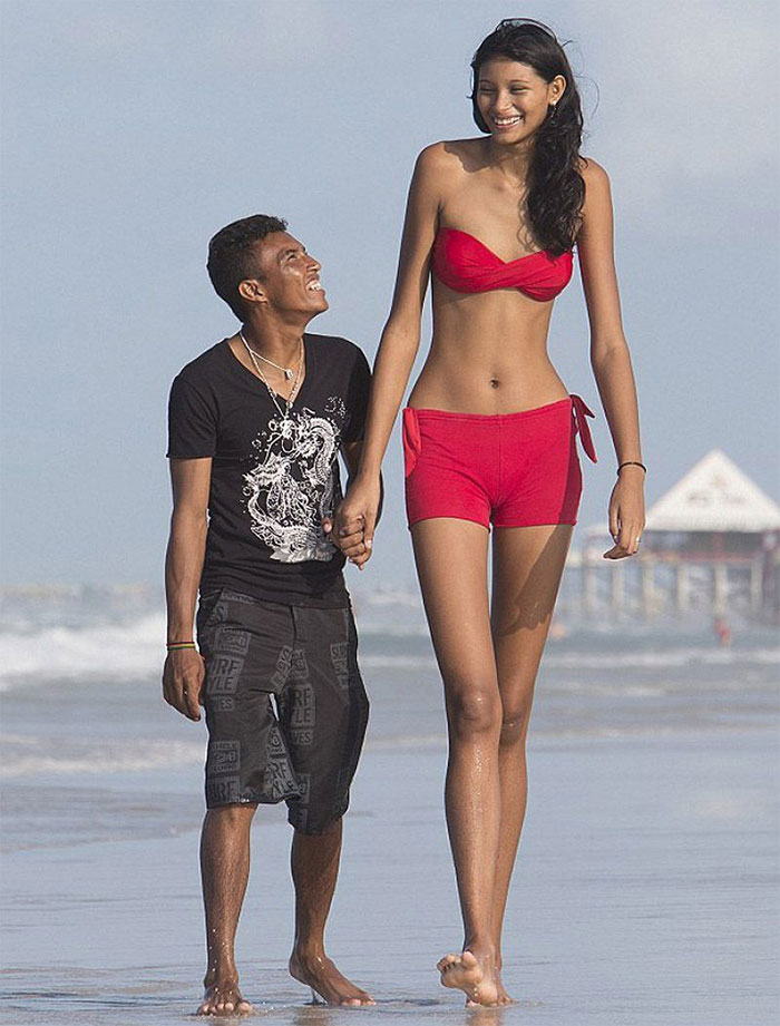 tall people with short people elisany silva