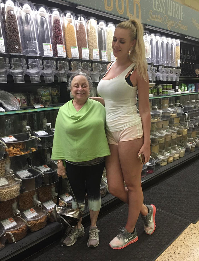 tall people with short people short mom