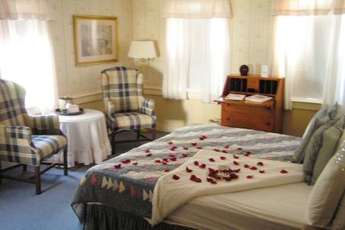 Christmas Farm Inn & Spa Guestroom