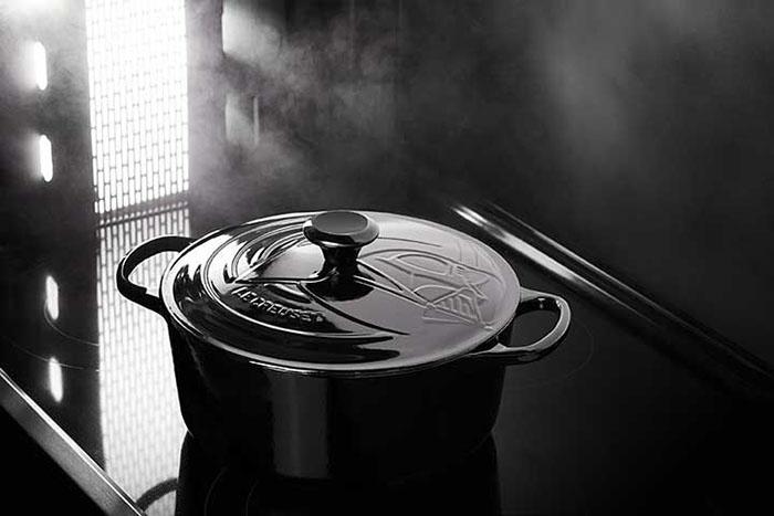 Darth Vader Round Dutch Oven