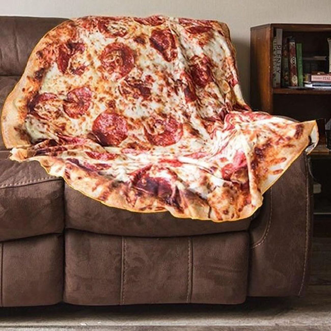 Surprising Pizza Lovers Can Now Wrap Themselves Up In A Toasty Pizza Dailytribune Chair Design For Home Dailytribuneorg