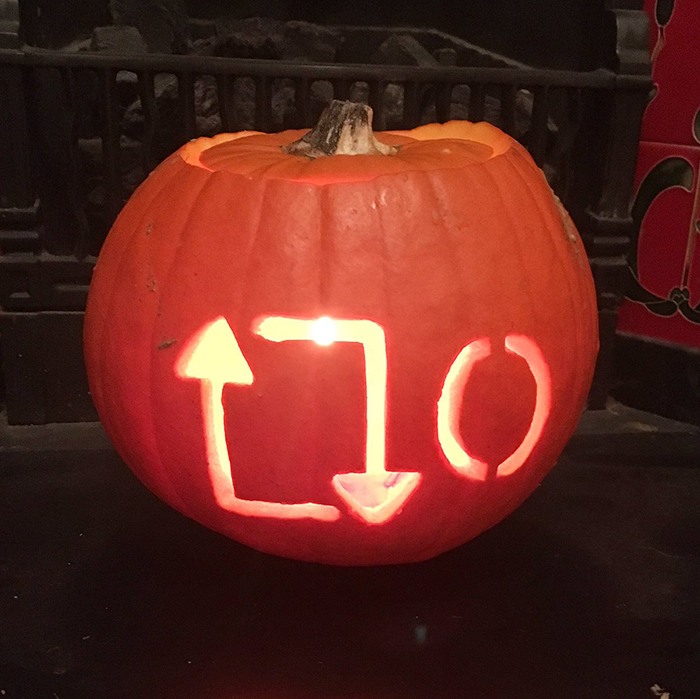Pumpkin with 0 Retweets Icon Carving