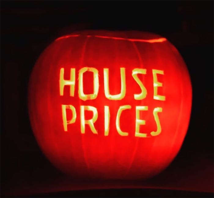 Pumpkin with House Prices Carving