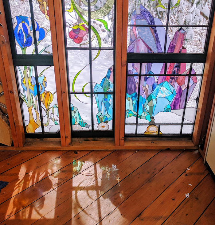 Stained Glass Cabin Flower and Gemstone Details 2