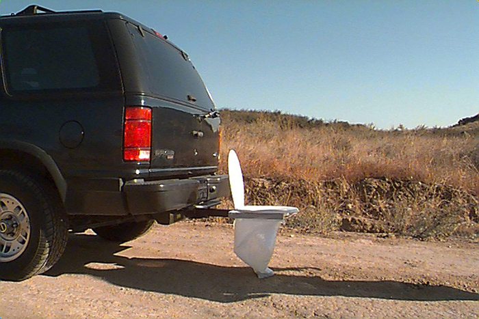 bumper dumper hitch mountable portable toilet bin bag