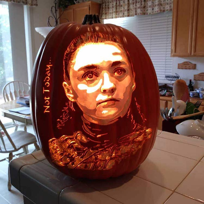 cool pumpkin carving arya