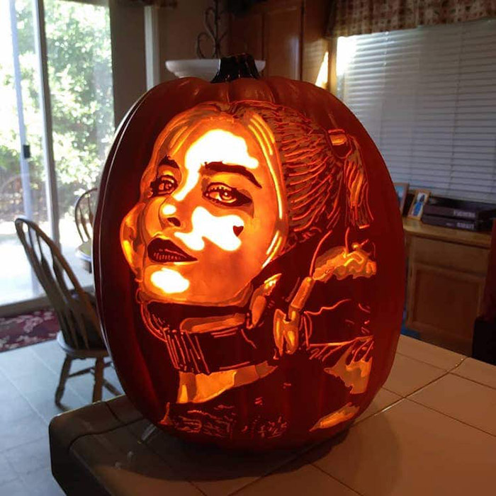 cool pumpkin carving harley quinn