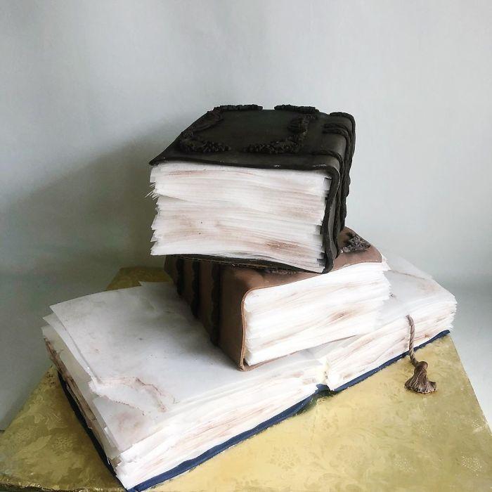 darci amazing cakes books