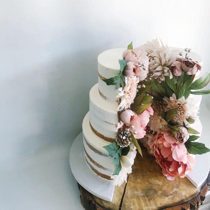 darci amazing cakes flower slice