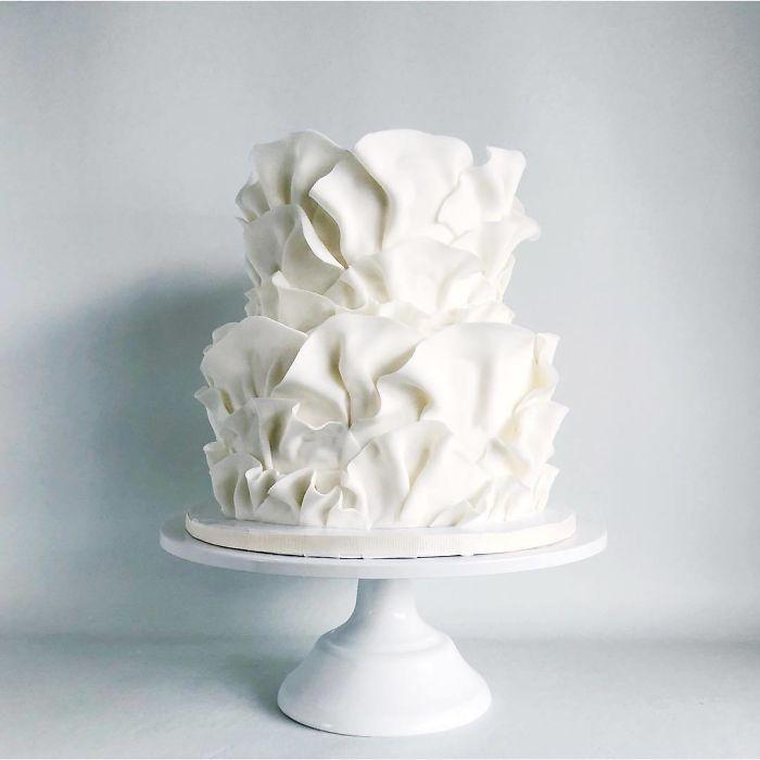 darci amazing cakes white lace
