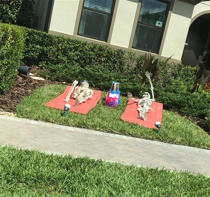 halloween skeletons sunbathing