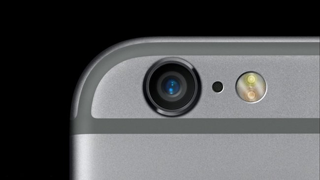 iPhone Additional Microphone Between Camera and Flash