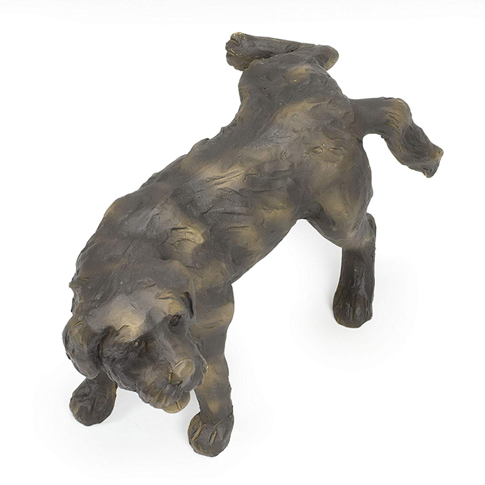 peeing dog water fountain statue top