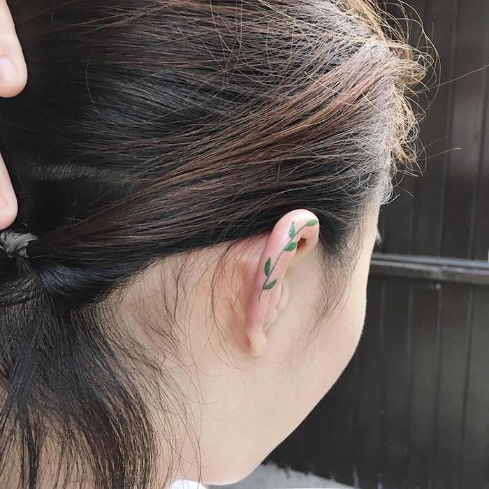 simple vine helix ear tattoo by zihee
