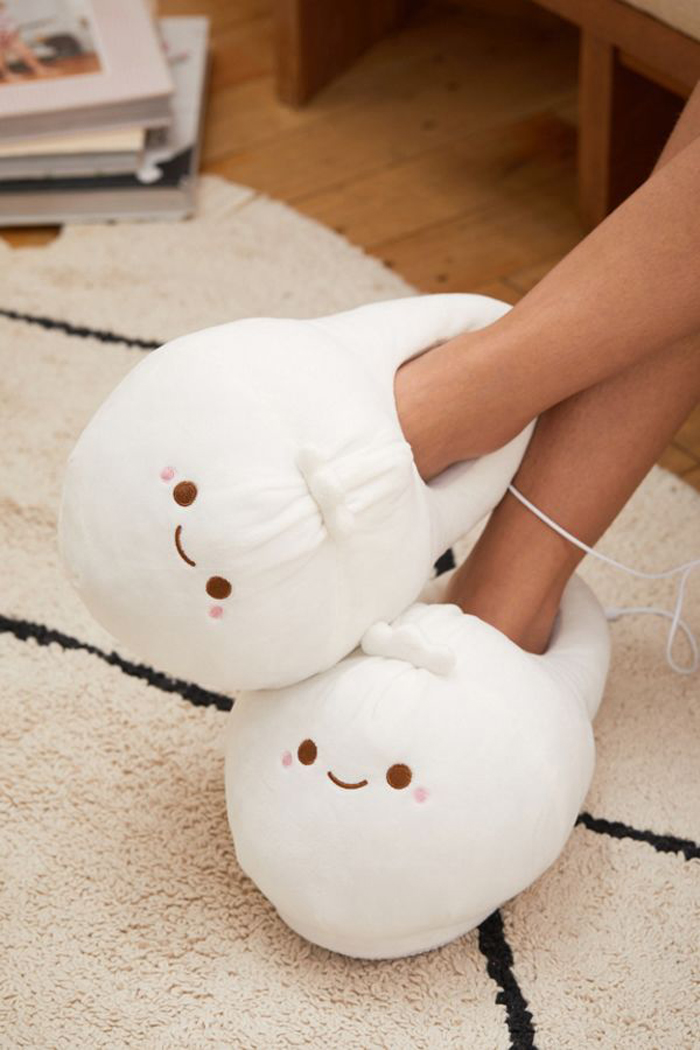 urban outfitters heated dumpling slippers