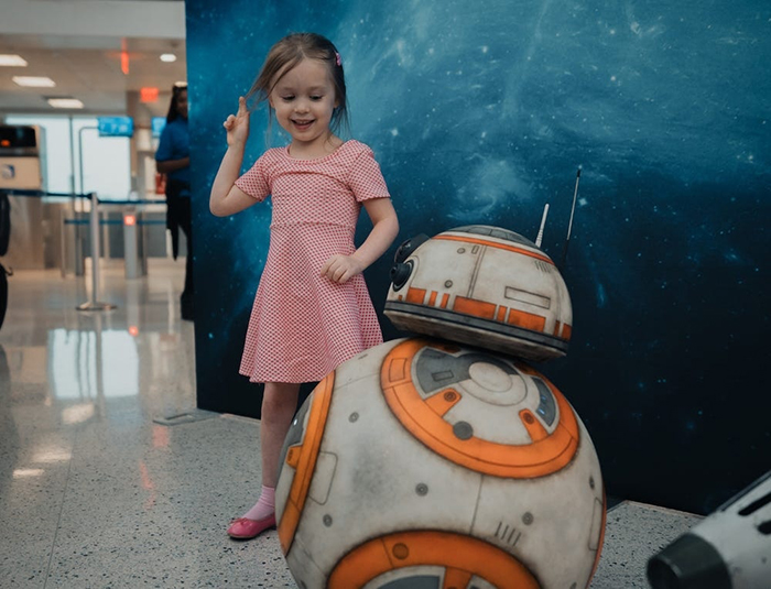 BB-8 Greeting a Girl