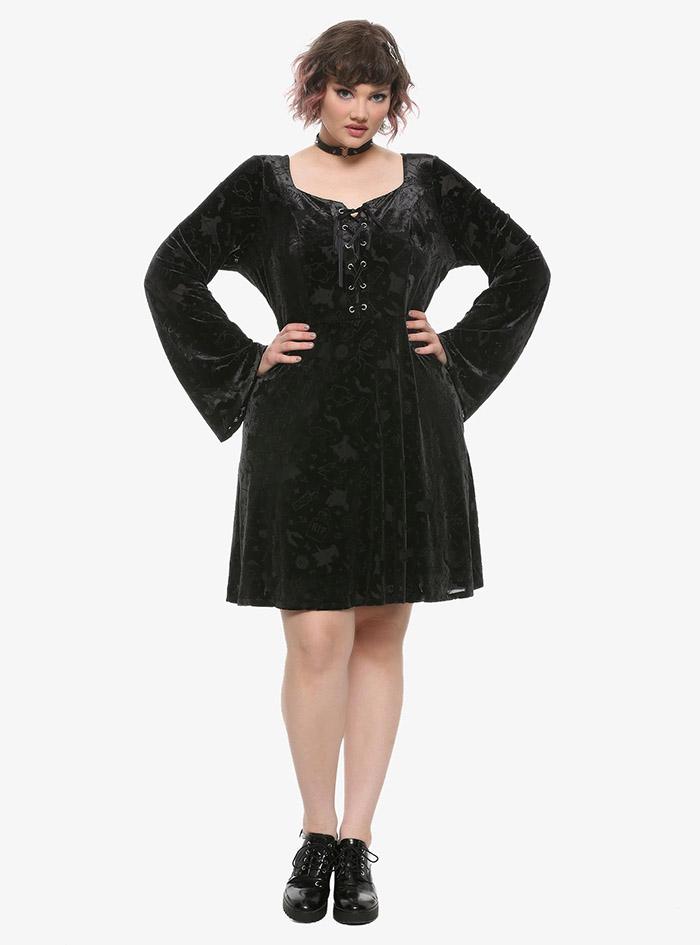 Hocus Pocus Clothing Collection Black Velvet Sleeve Dress plus size model