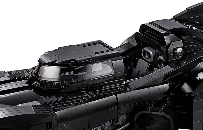 LEGO batmobile seats