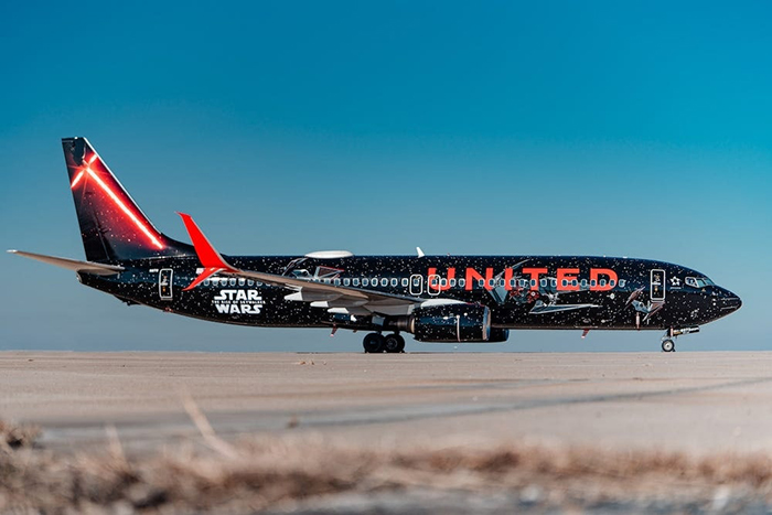 United Airlines' Star Wars-themed Boeing 737 Plane Dark Side