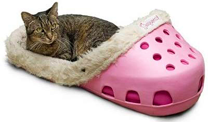 giant slipper pet bed for cats and dogs