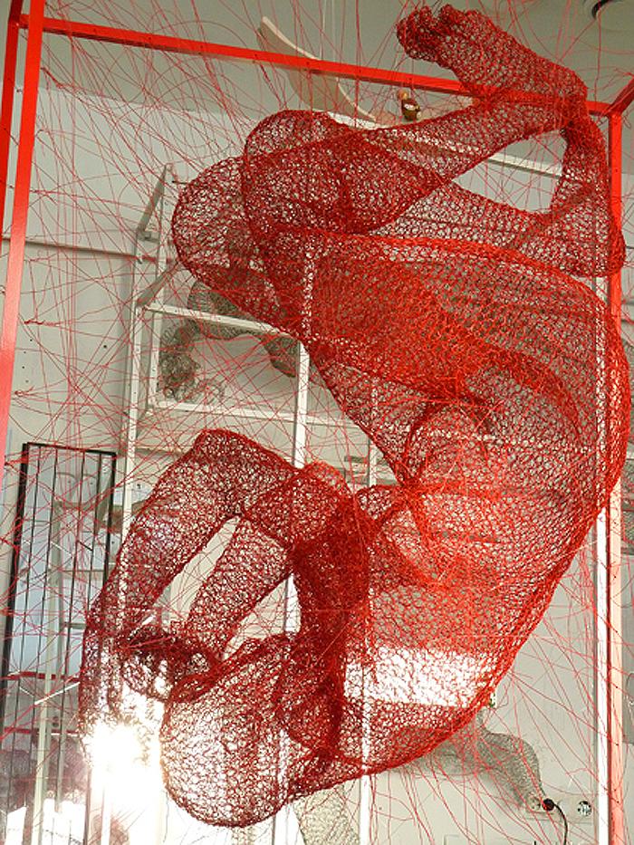 nadia zubareva steel wire sculptures block art installation
