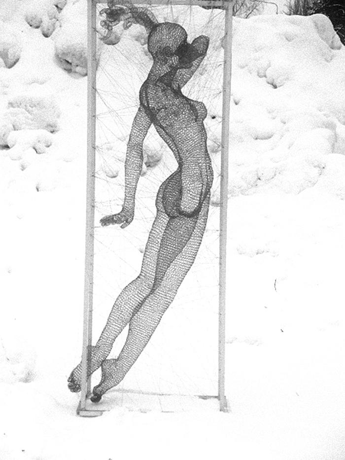 nadia zubareva steel wire sculptures oola