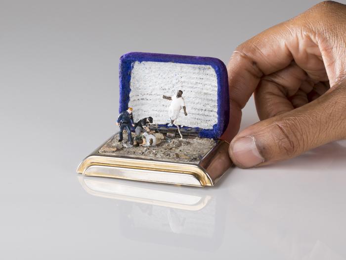talwst ring box dioramas por que