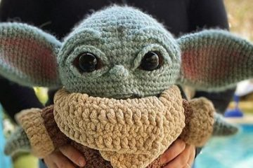 Crocheted Baby Yoda