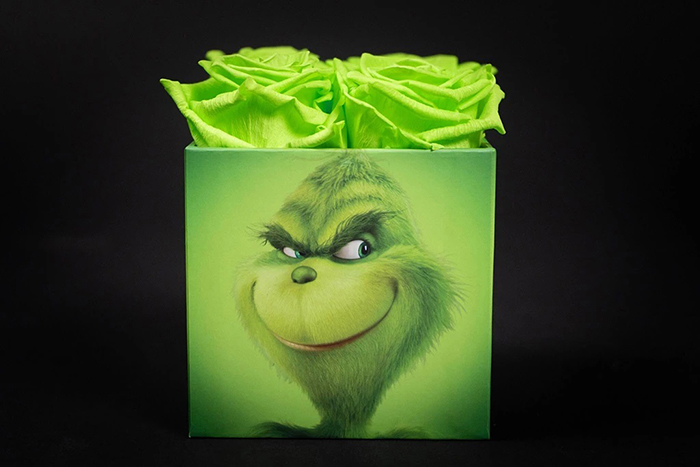 Grinch-Inspired Roses smirking boxface