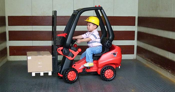Kids pedal Powered Forklift