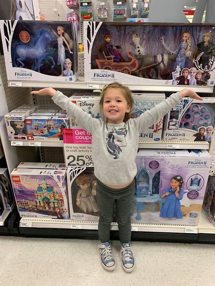 Kristina Watts Daughter Emmie with Disney Frozen Toys