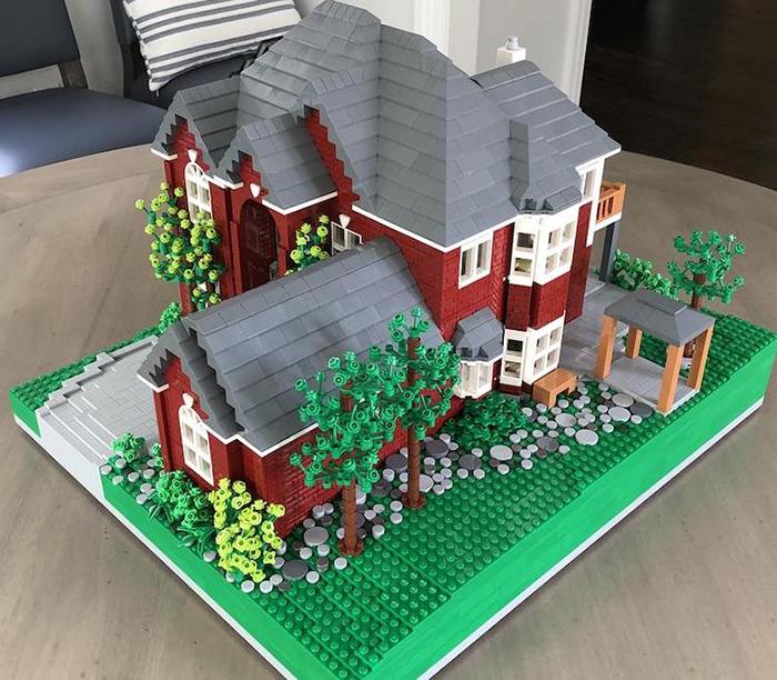 LEGO House Replica Red and Gray Garden