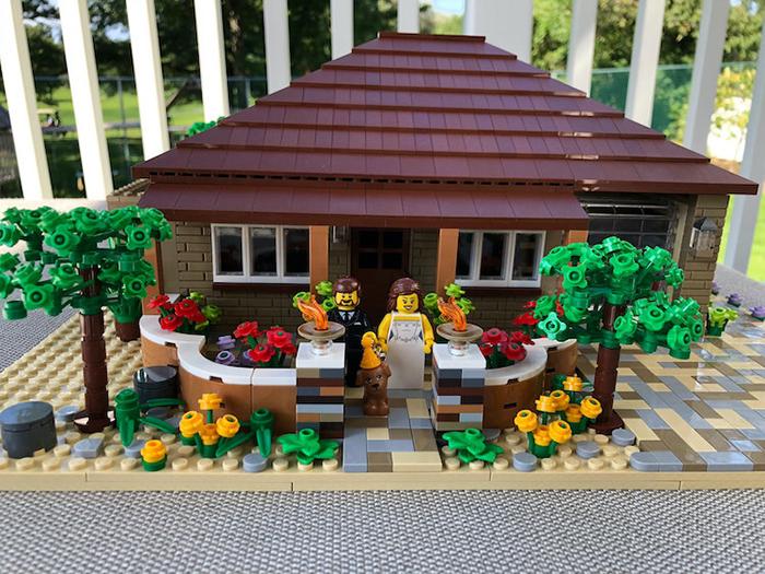 LEGO Scale Model House Newlyweds