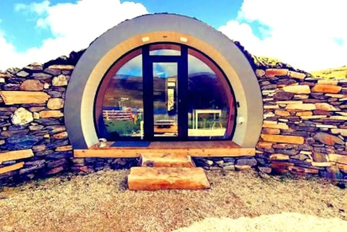 airbnb the hobbit pod round door