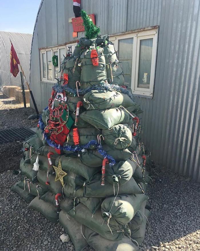 creative christmas tree ideas sandbags