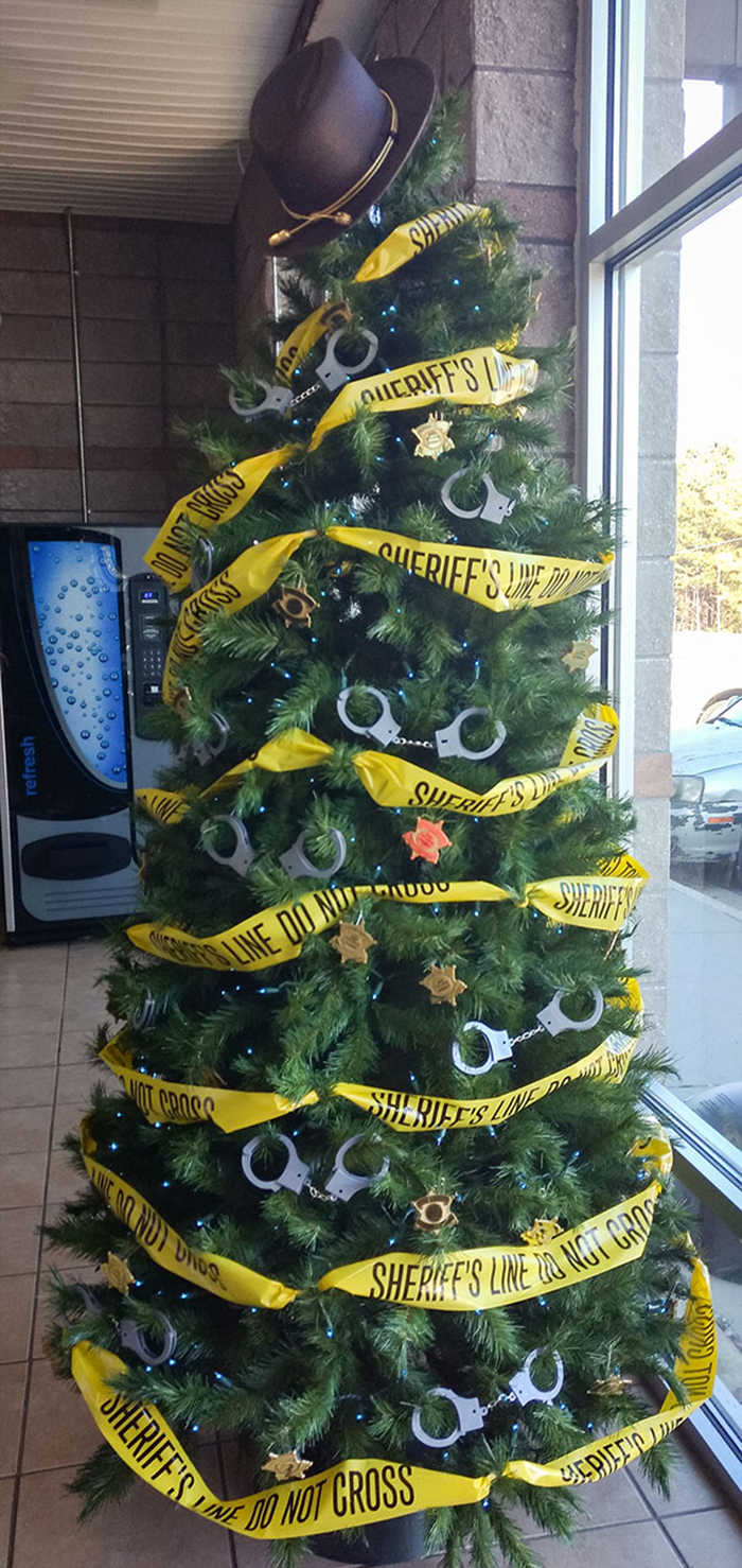 creative christmas tree ideas sheriff office