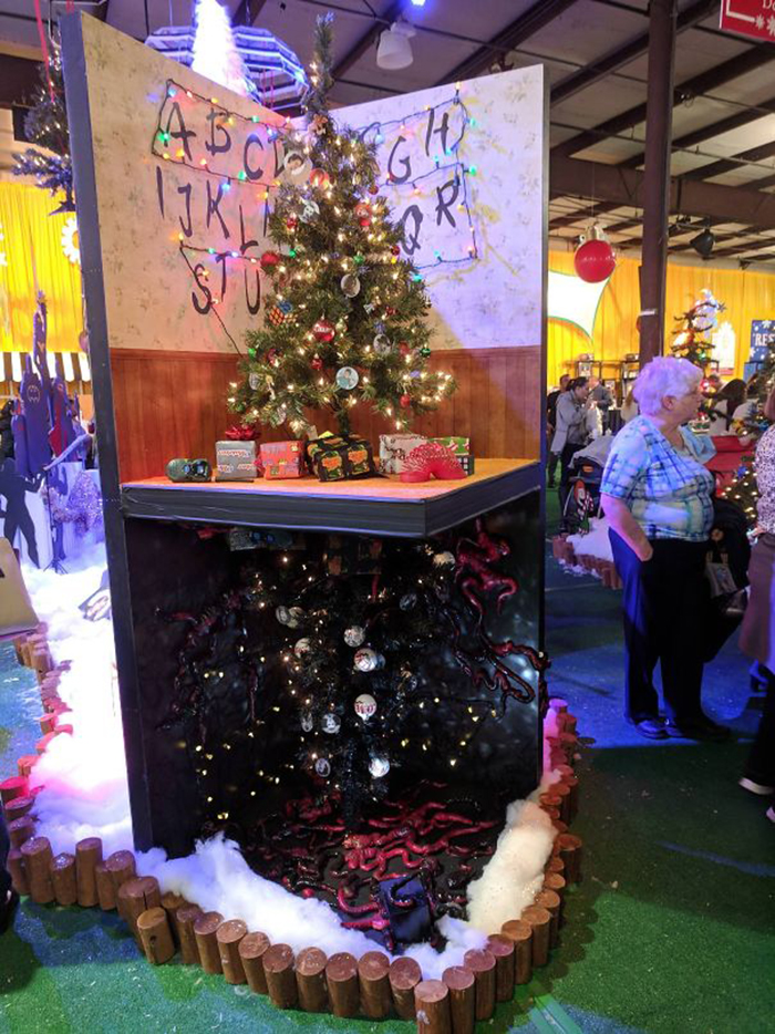 creative christmas tree ideas stranger things