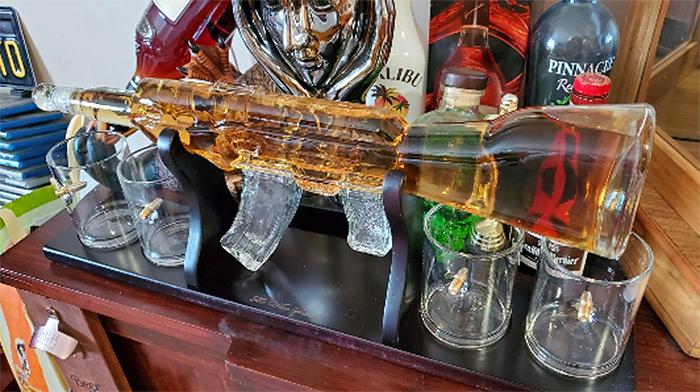 gun-themed wine set