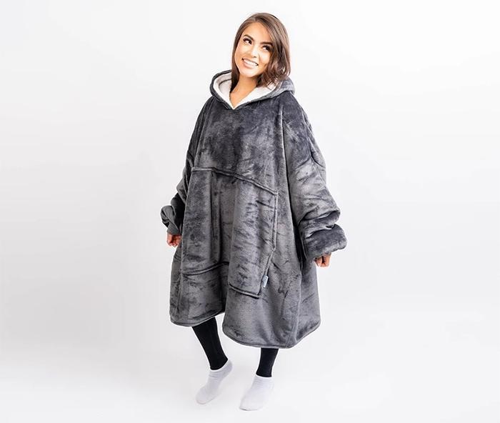 sweater-black blanket
