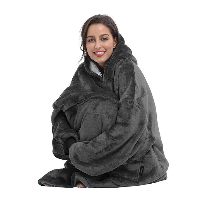sweater-blanket grey