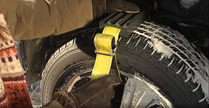 tire traction device easy to install