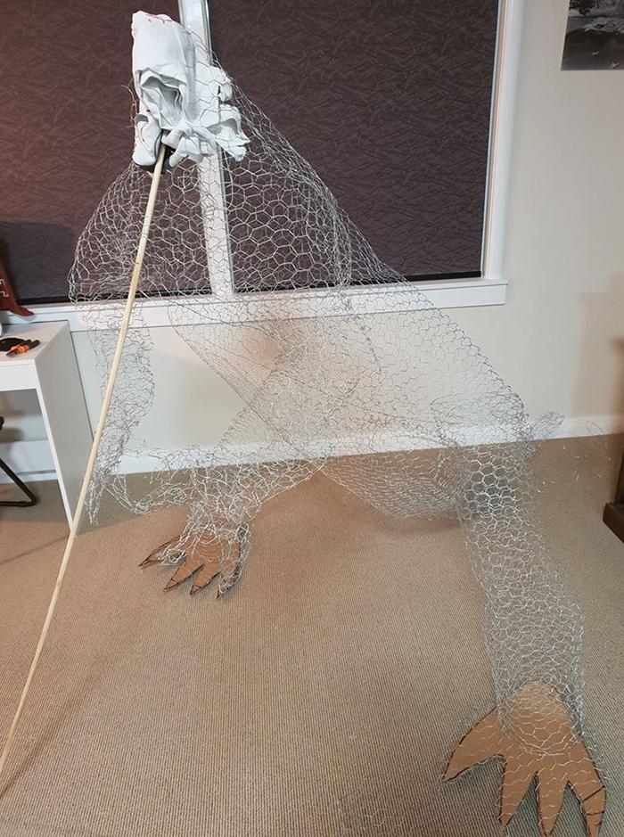 treezilla construction chicken wire frame