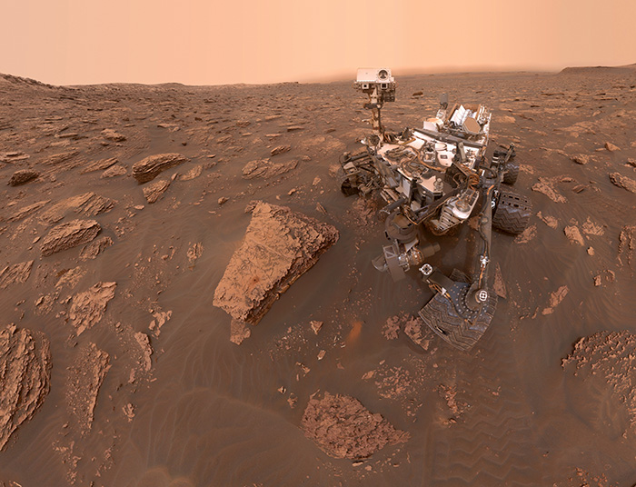 Curiosity's Dusty Selfie at Duluth