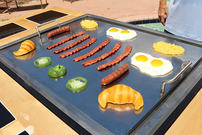 Frying Eggs, Bacon Strips, Croissants Using 3-in-1 Grill