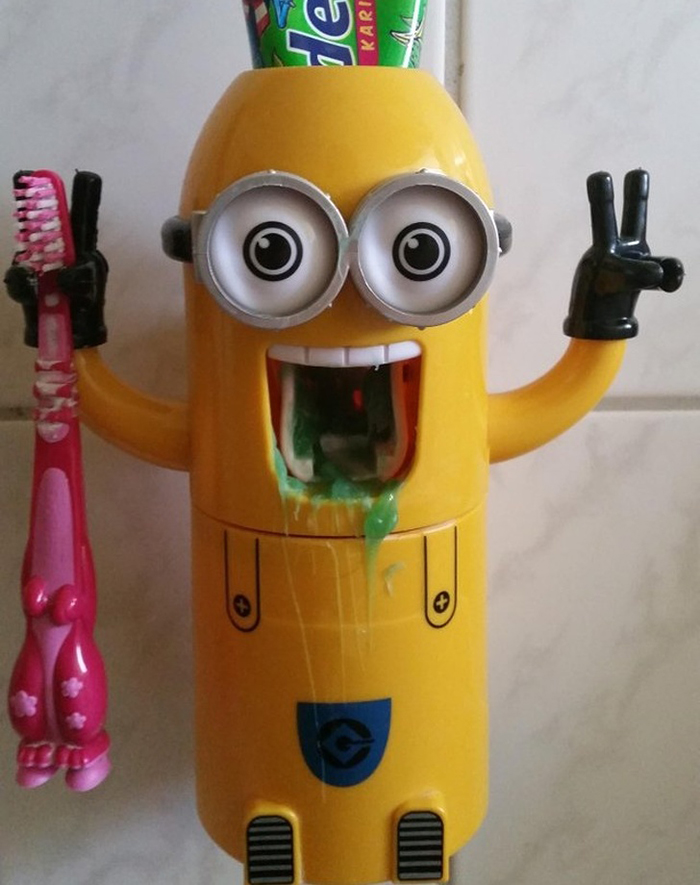 Shopping Disasters Fail Minion Toothpaste Dispenser