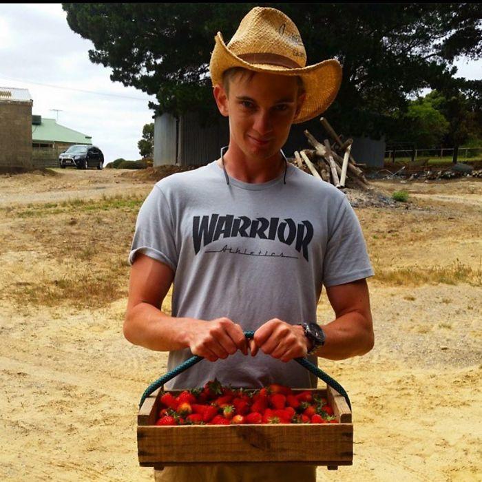 funny vegan hunters strawberries
